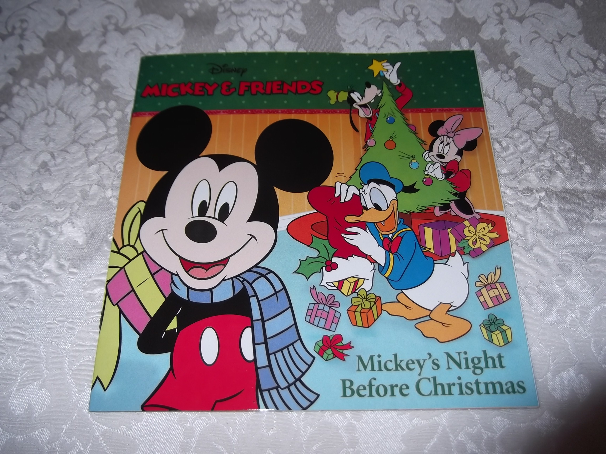 Disney Mickey & Friends Mickey's Night Before Christmas Brand New SC