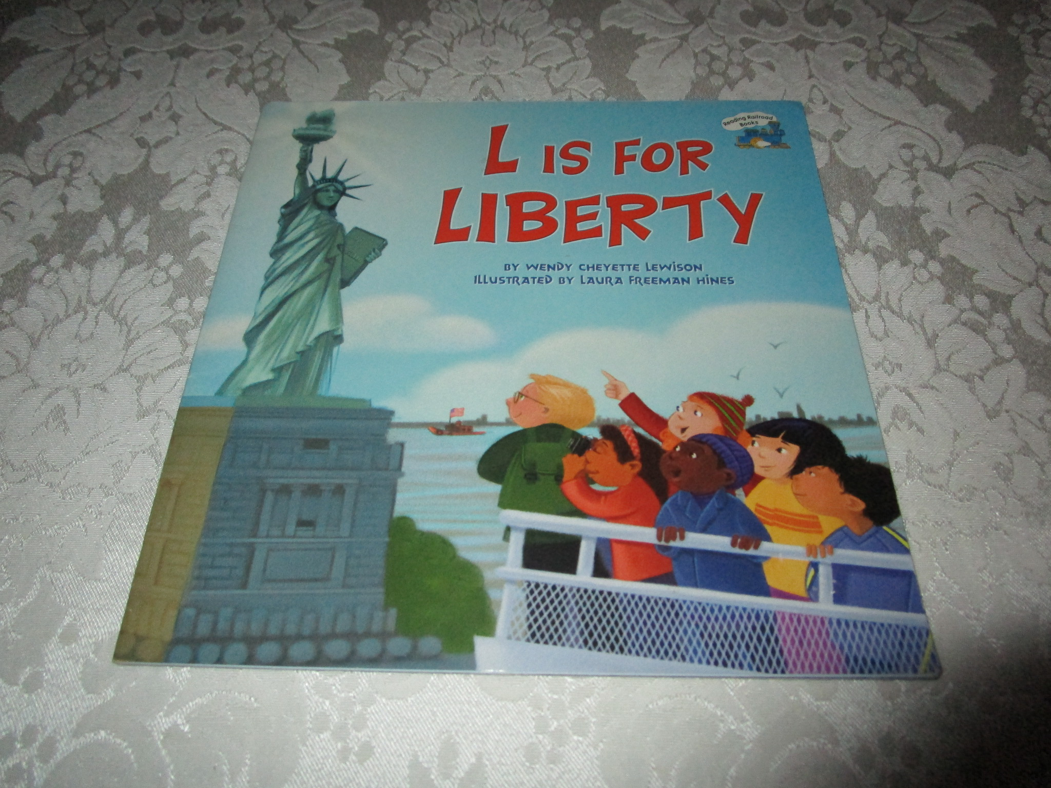 L Is For Liberty Wendy Cheyette Lewison Good Softcover