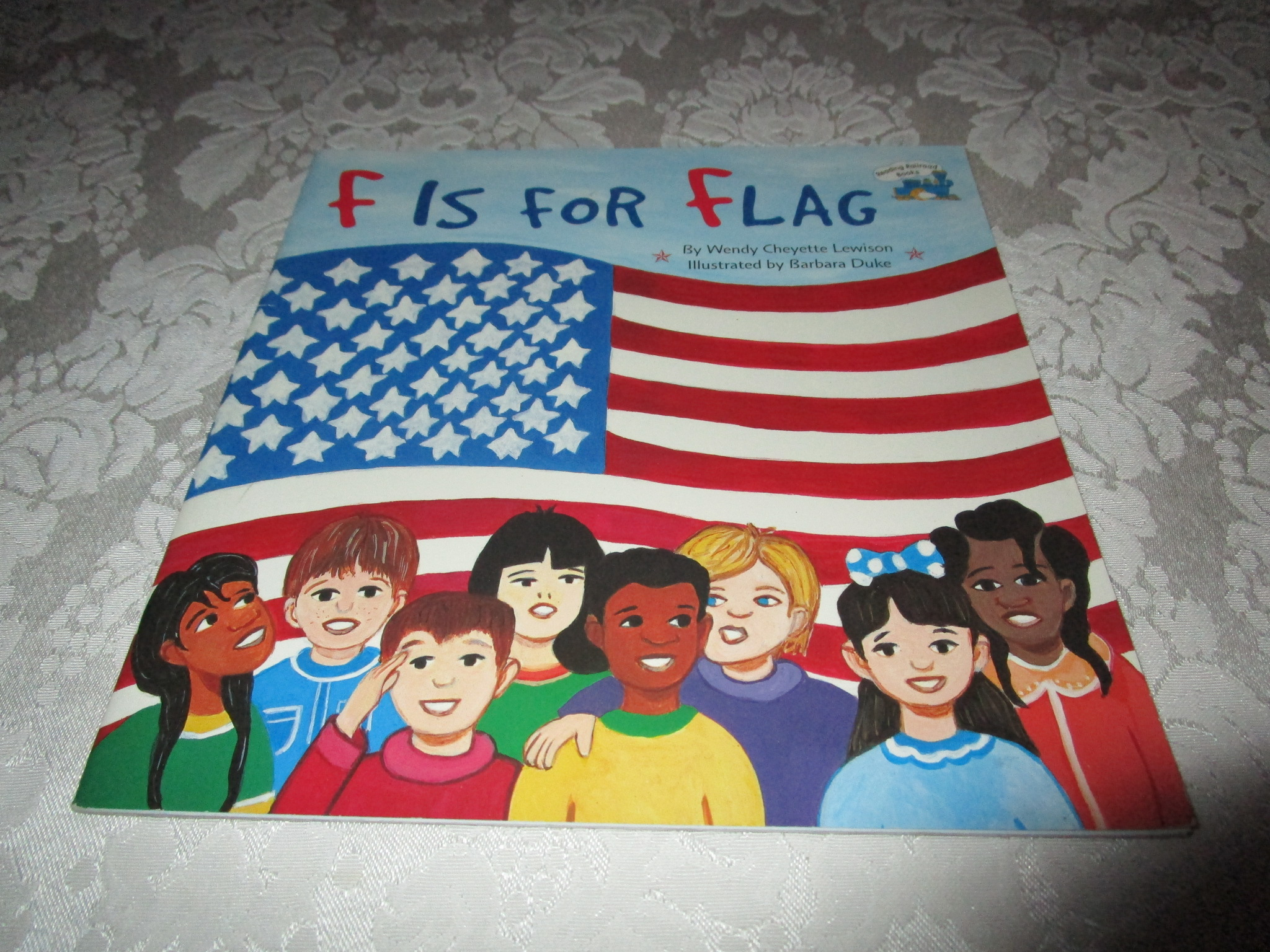 F Is For Flag Wendy Cheyette Lewison Good Softcover