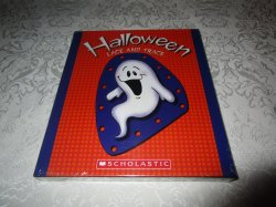 Halloween Lace And Trace 6 Cards & 3 Laces Brand New and Sealed
