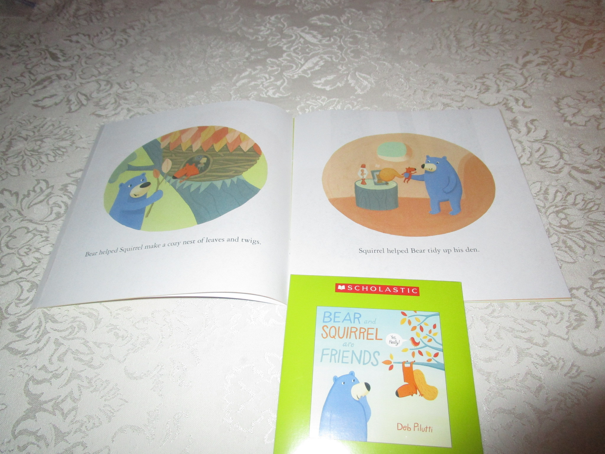 Image 1 of Bear And Squirrel Are Friends Deb Pilutti Audio CD & SC Brand New
