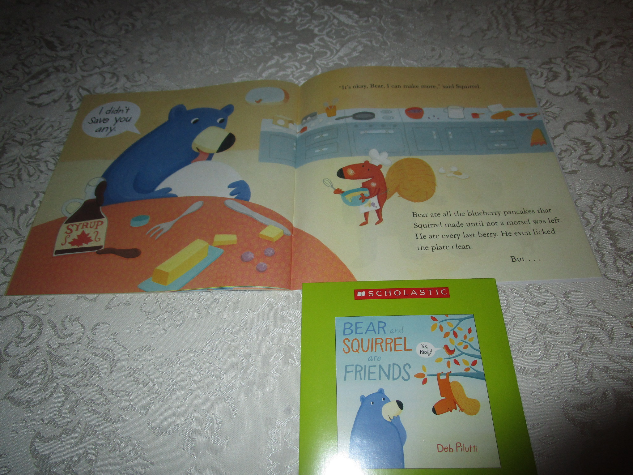 Image 2 of Bear And Squirrel Are Friends Deb Pilutti Audio CD & SC Brand New