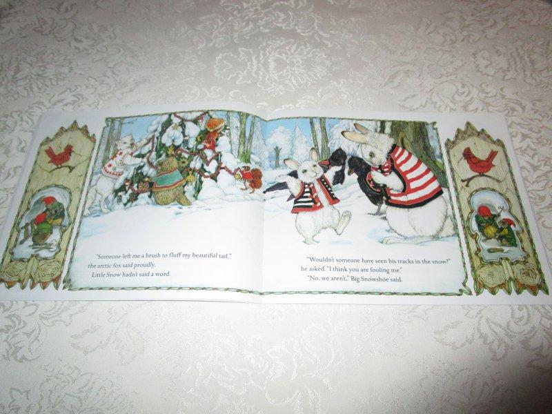 Image 2 of The Animals' Santa Jan Brett Brand New Softcover