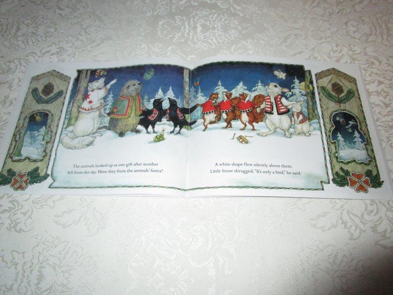Image 3 of The Animals' Santa Jan Brett Brand New Softcover