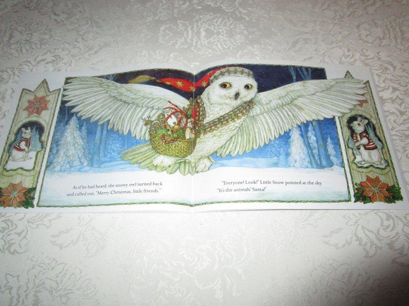 Image 4 of The Animals' Santa Jan Brett Brand New Softcover