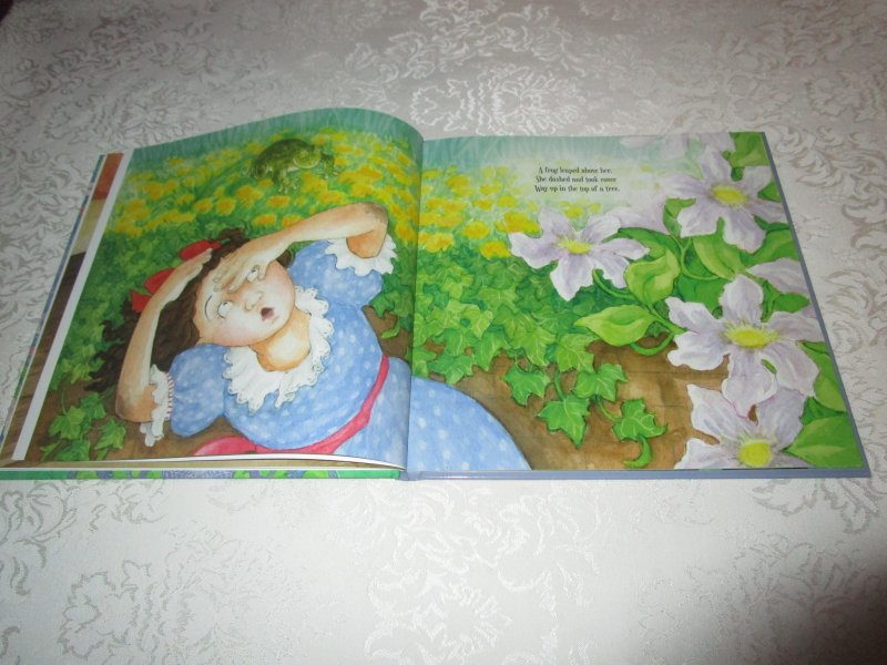 Image 4 of Little Miss Muffet Iza Trapani Brand New Hardcover