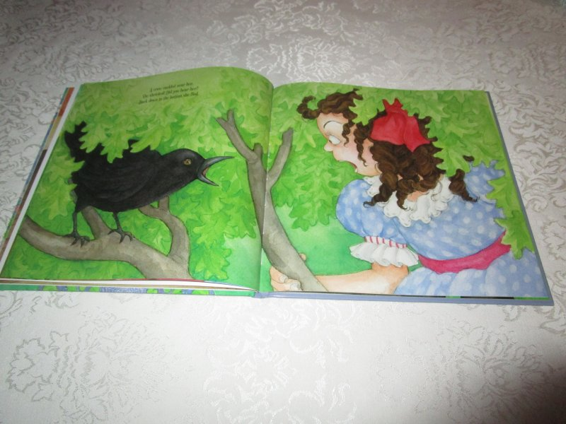 Image 5 of Little Miss Muffet Iza Trapani Brand New Hardcover