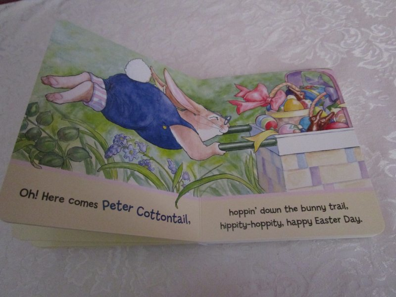 Image 4 of Here Comes Peter Cottontail! Steve Nelson Jack Rollins Brand New Board Book