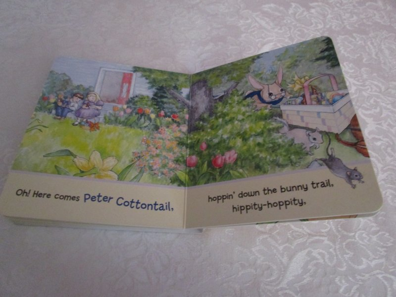 Image 8 of Here Comes Peter Cottontail! Steve Nelson Jack Rollins Brand New Board Book
