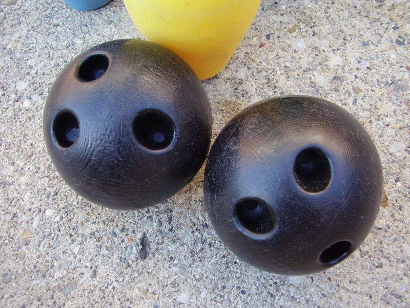 Kids VTG Plastic Bowling Set