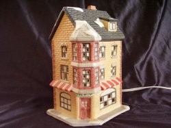 Dickens Collectables Holiday Expressions Porcelain Lighted Village Toy Shop