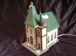 Dickens Collectables Holiday Expressions Porcelain Lighted Village Chapel Church