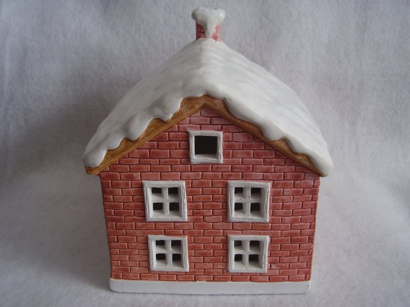 R & B Red Porcelain House