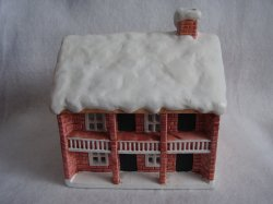 Reed Barton Giftsources Lighted Porcelain Christmas Village Snow Covered House