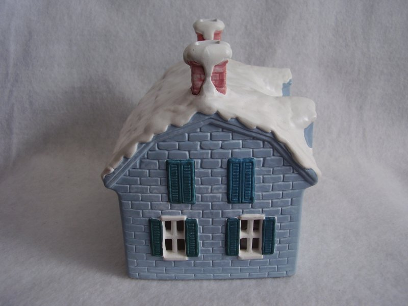 R & B Blue Porcelain House