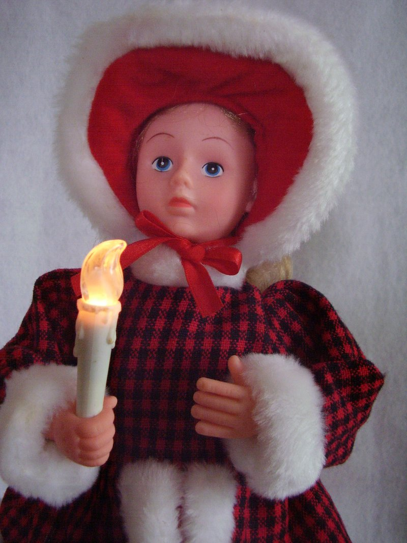 Caroler with Candle Animated
