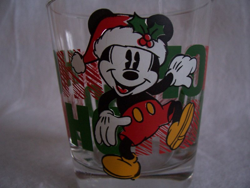 Mickey Mouse HO HO HO Glass