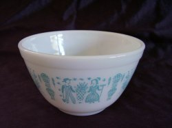 Vintage Pyrex Ovenware Butterprint Mixing Bowl 401 1 1/2 pints