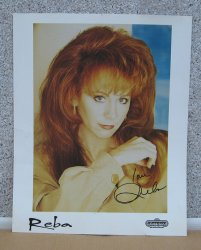 Reba McEntire Autographed 8 by 10 Signed Color Photo