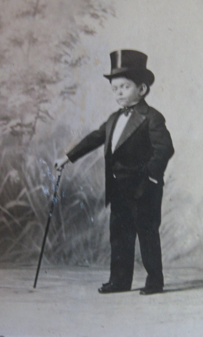 1907 Photo, Little Lord Robert, Smallest Circus Man on Earth. Ringling Bros. Midget