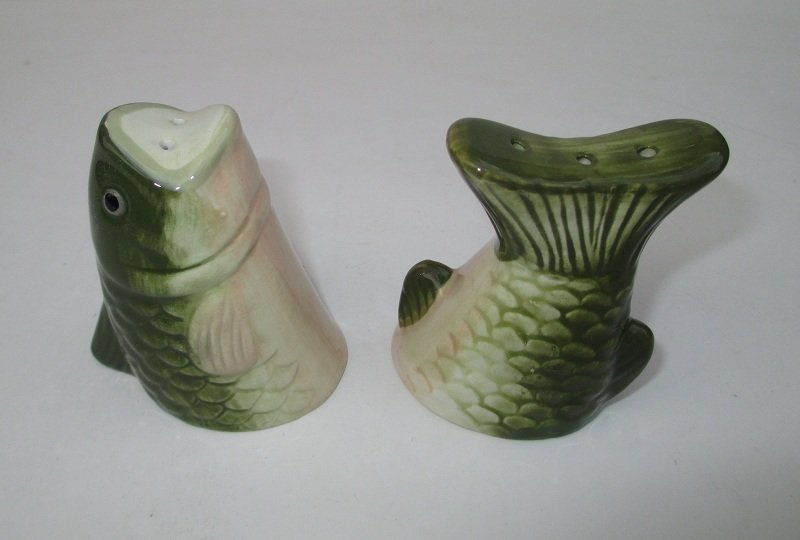 trout fish salt pepper shaker set