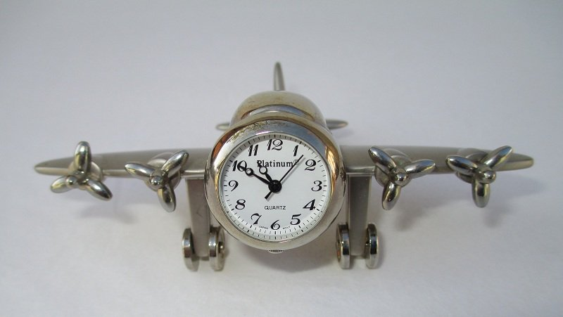 Wwii Airplane Clock 4 Propellers Spin Wheels Move