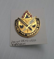 '.Army Joint Readiness pin.'