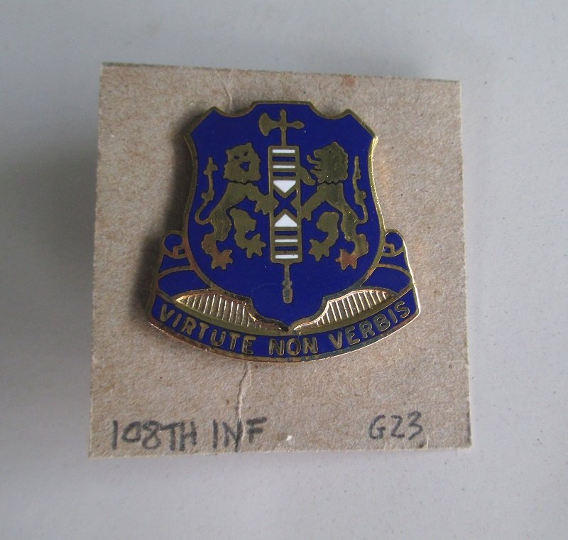 108th U.S. Army Infantry DUI DI insignia pin. Has the motto Virtute Non Verbis.  Worn on Army Uniforms and caps. Excellent condition. Ira Green G23.