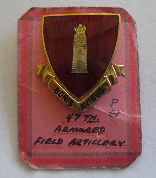 47th U.S. Army Armored Field Artillery enamel insignia pin. Has the motto Bonis Avibus. 1940s. Pinback closure. Worn on Uniforms and caps. N.S. Meyer.