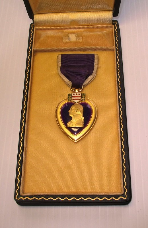 purple heart military medal  leather presentation case wwii