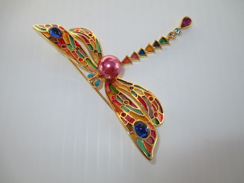 Joan Rivers signed Plique A Jour Cloisonne Enamel Dragonfly brooch pin. Goldtone with Swarovski crystals. Stained glass appearance.