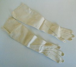 '.Chevreau Evening Opera Gloves.'