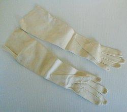 '.Chevreau Evening Opera Gloves.'