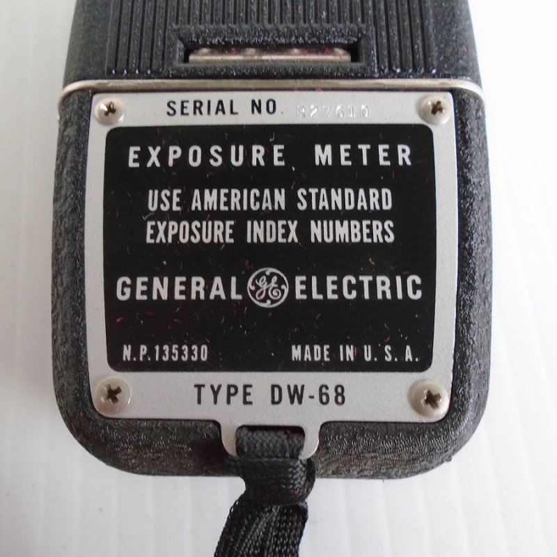 Vintage General Electric light exposure meter model number DW-68. Needle movement and dial moves smoothly. Unknown date, estate purchase.