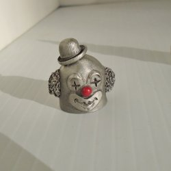 Bobo the Clown in Derby Hat Pewter Thimble, Spoontiques