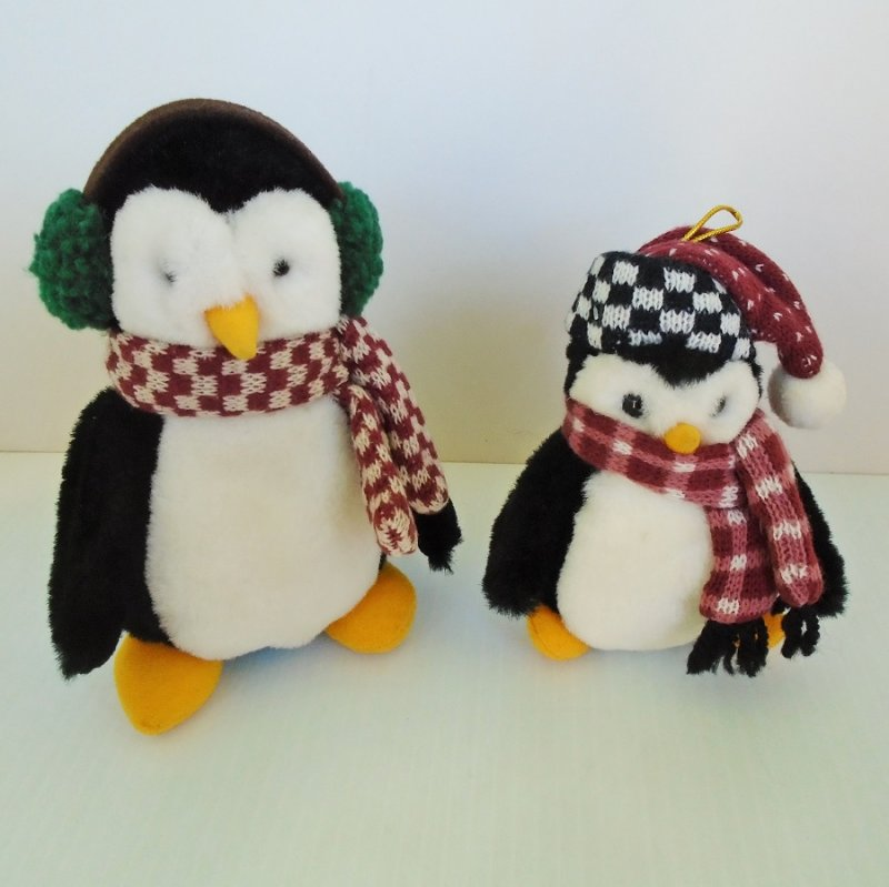 Two Debbie Mumm plush penguins as featured by Joey on the TV show Friends. McFinn is 6 inches tall and Hugsy is 5 inches tall.