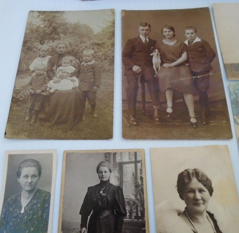 Collection of family photos from 1930s Germany. Some have name of Reddehose or Reddehase. Believed to be associated with Bias and Wiig.