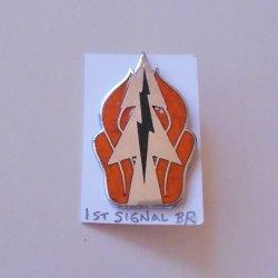 1st Signal Brigade U.S. Army DUI Insignia Pin