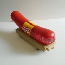 '.Oscar Mayer Wienermobile Bank.'
