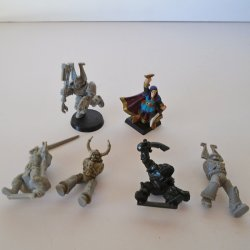 Warhammer Misc Warriors and Fighting Figurines, 6 pcs