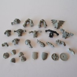 Warhammer Bits and Accessory Parts, 25 pcs