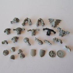 Warhammer Bits and Accessory Parts, 25 pcs