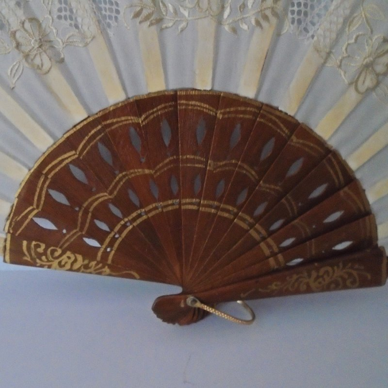 Early 1970s hand fan. Souvenir of Portugal. Floral Motif. Use as intended, or as wall art. Never displayed. From Beverly Hills estate.