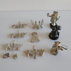 Games Workshop Warhammer, 11 Unknown Metal Parts