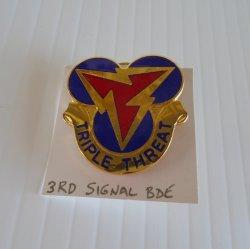 3rd Signal Brigade DUI Insignia Pin, Triple Threat Motto