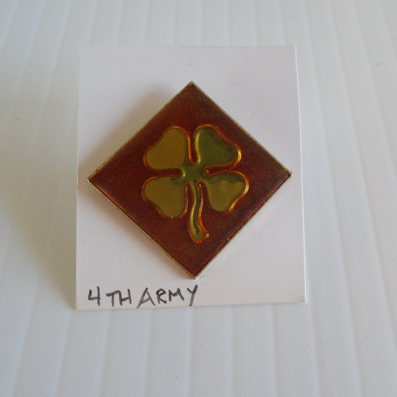 4th U.S. Army enamel DUI insignia pin. Estate purchase