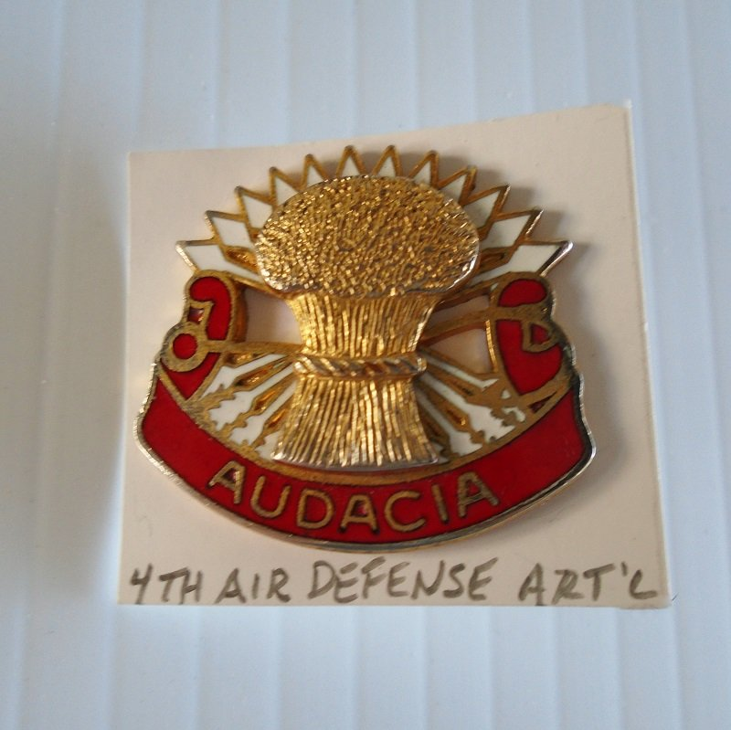 U.S. 4th Army Air Defense Artillery DUI insignia pin. Has the motto