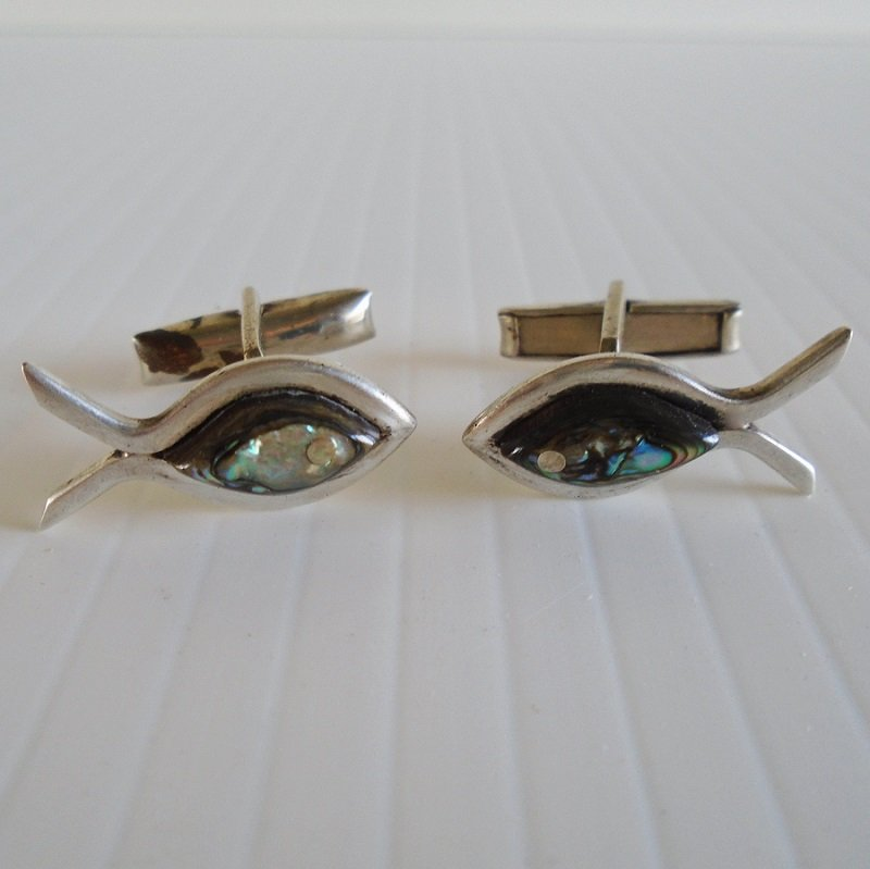 Abalone 925 fish shaped cufflinks. Vintage Taxco Mexico, probably from the 1950s.