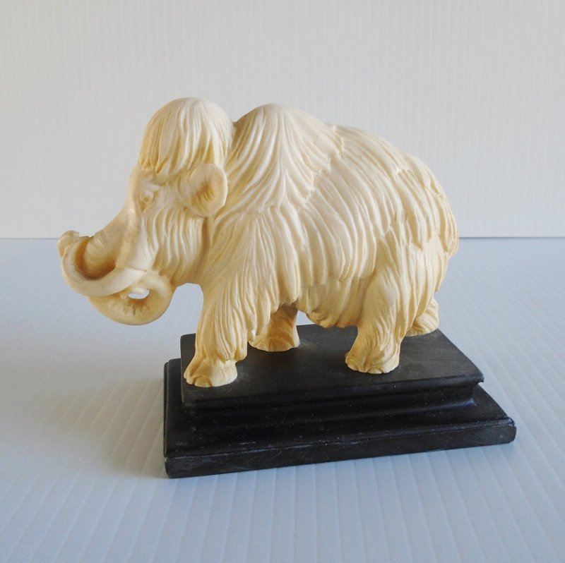 A. Santini Woolly Mammoth classic figurine statue. Made in Italy. Estimated 1960s.