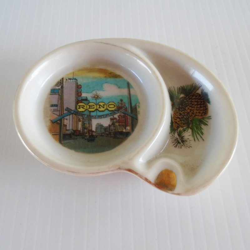Reno Nevada 1950s - 1960s vintage ashtray with Biggest Little City sign and Virginia Street scene. Estate purchase.